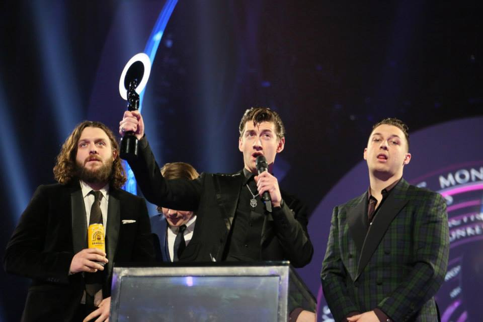 Arctic Monkeys Brit Awards ceremonijoje