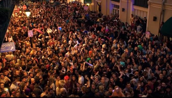 Arcade Fire iniciatyva – tūkstantinis paradas David Bowie garbei