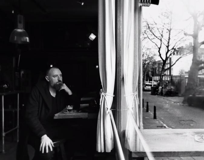 10 minučių su Fink: išskirtiniai dokumentiniai kadrai, muzika ir nuoširdus interviu
