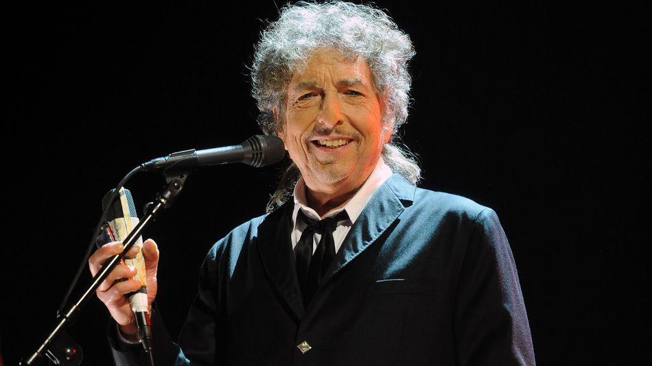 Nobelio komiteto atstovai: Bob Dylanas mus ignoruoja