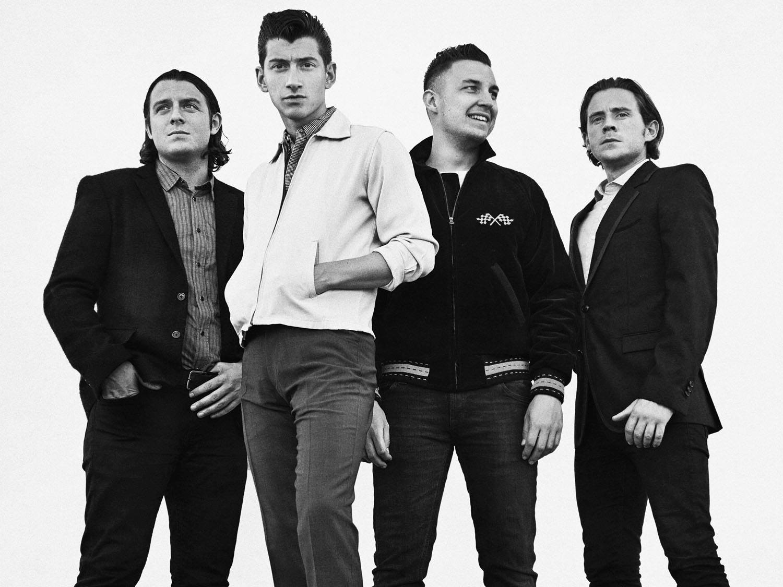 Kelių metų tyla nutraukta: Arctic Monkeys vėl susibūrė naujam albumui