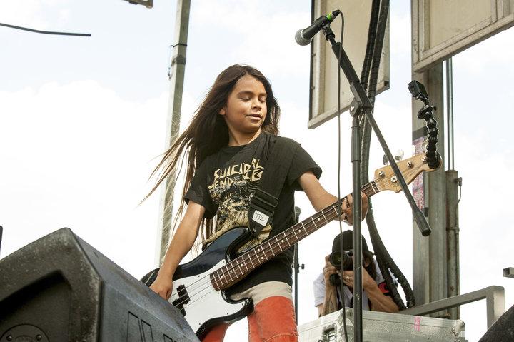 Naujuoju grupės Korn bosistu tapo dvylikametis Metallica nario sūnus