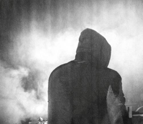 """Valandos trukmės Nicolas Jaar pasirodymas """"Boiler Room"""" DJ seto metu"""