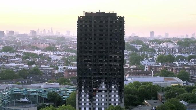Muzikos pasaulio žvaigždės legeninį kūrinį sukūrė gaisro aukoms Londone padėti