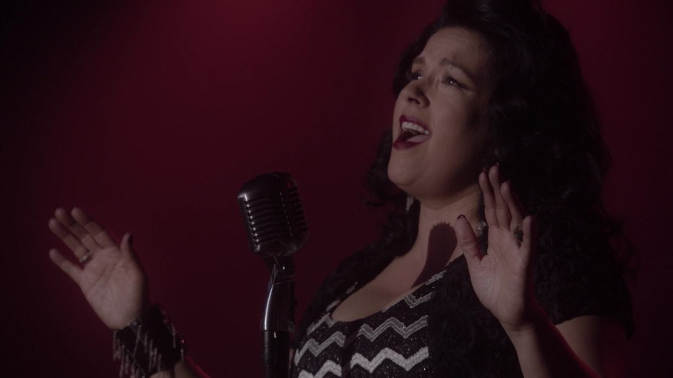 Naujausioje Twin Peakso serijoje finalinę dainą atliko Moby ir Malholando kelio žvaigždė