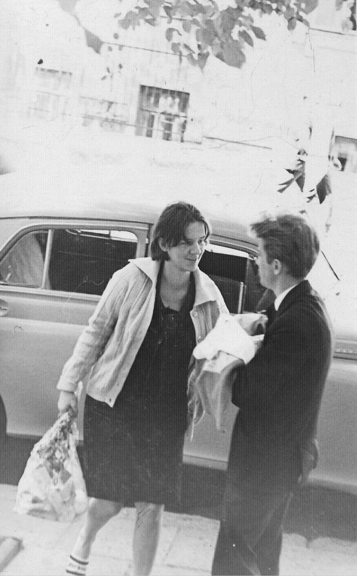 1967 m. rugpjūčio pabaiga. tėvai parsivežė mane iš Antakalnio klinikų į Basanavičiaus gatvę, kur gyvenome pas senelius.
