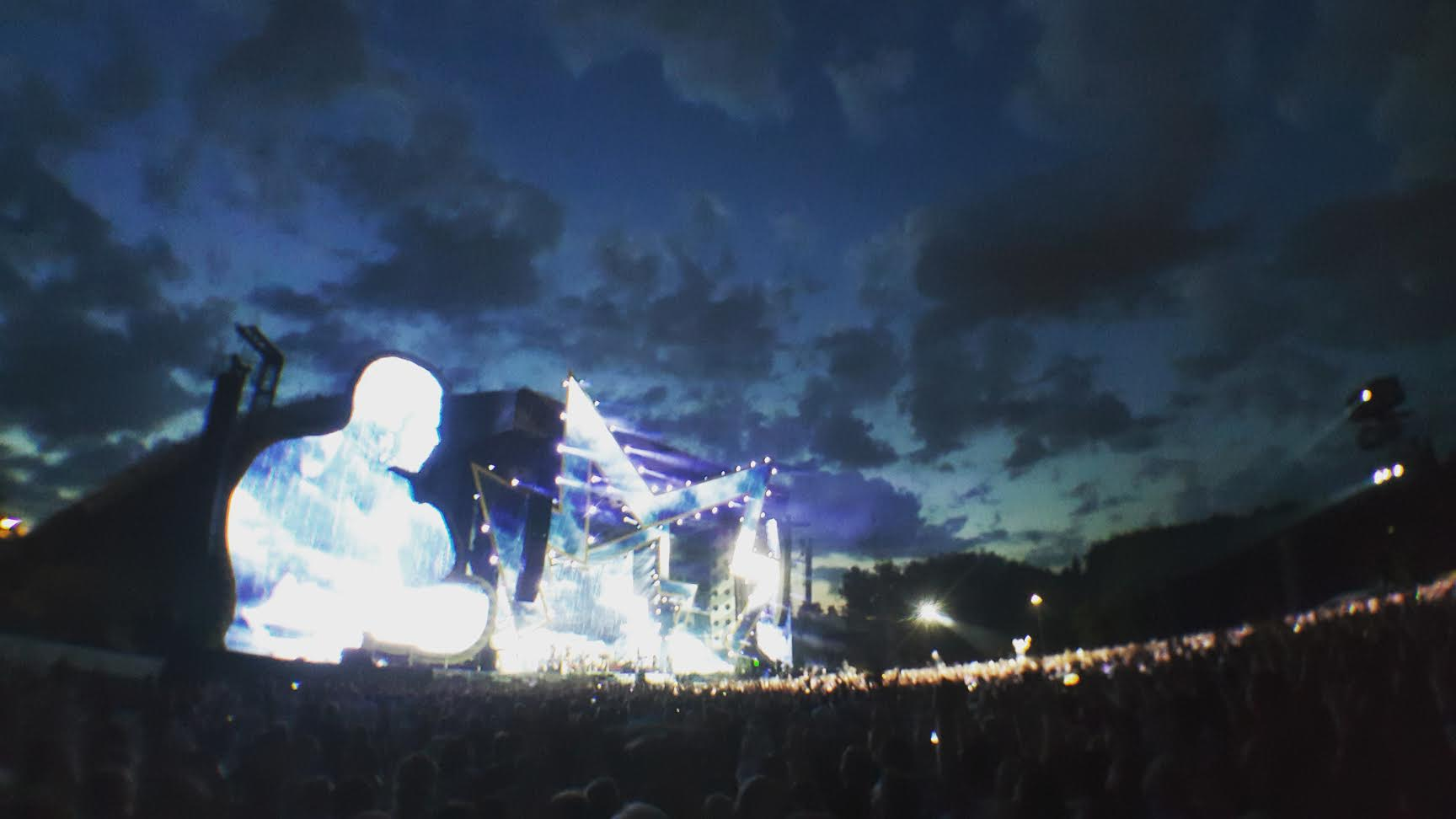 Pavykęs Rugpjūčio vakaras su Robbie Williams ir Erasure