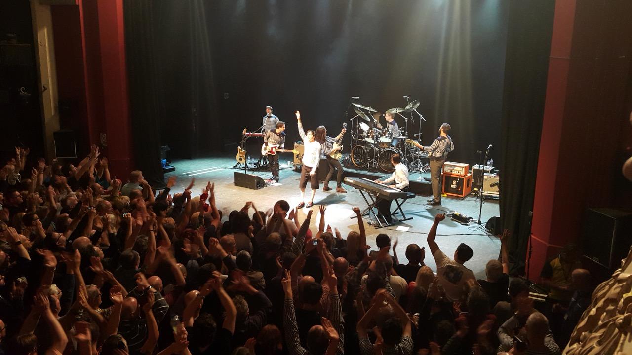 Sparks koncertas Londone: amžinas entuziazmas ant scenos ir dovanos iš Lietuvos