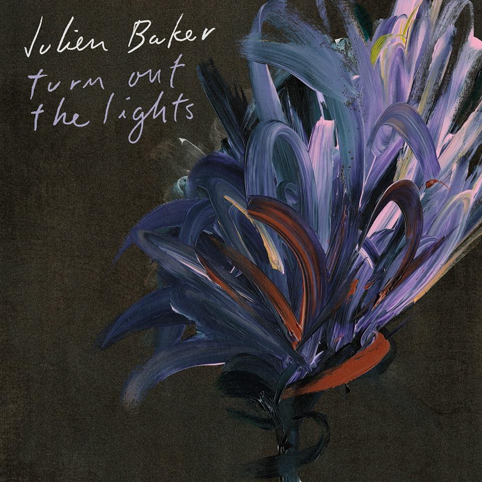 Perklausykite naują Julien Baker albumą Turn Out the Lights