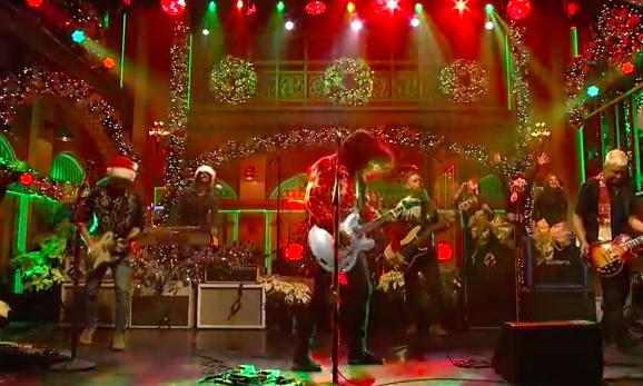 Vieną žymiausių savo kūrinių Foo Fighters pavertė kalėdine daina