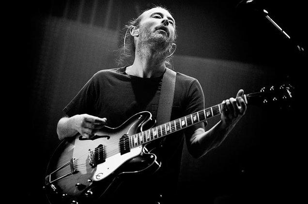 thom-yorke-radiohead-performing-650-430