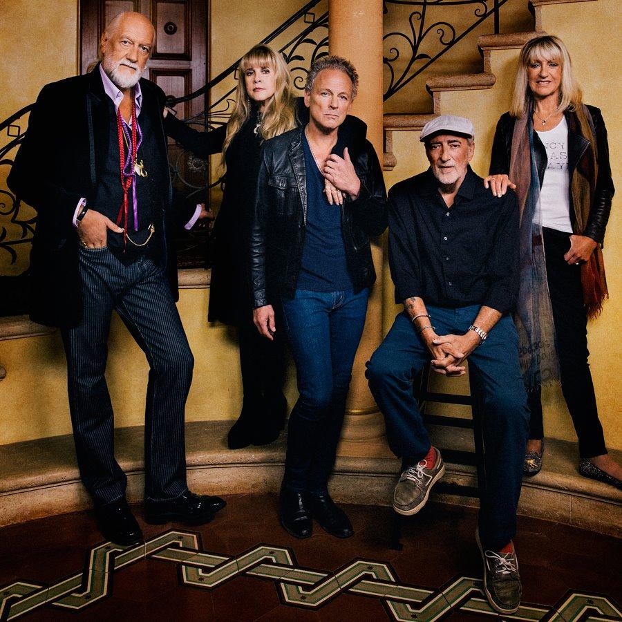 """Po 40 metų pertraukos """"Fleetwood Mac"""" hitą į muzikos topus sugrąžino internetinė """"meme"""""""