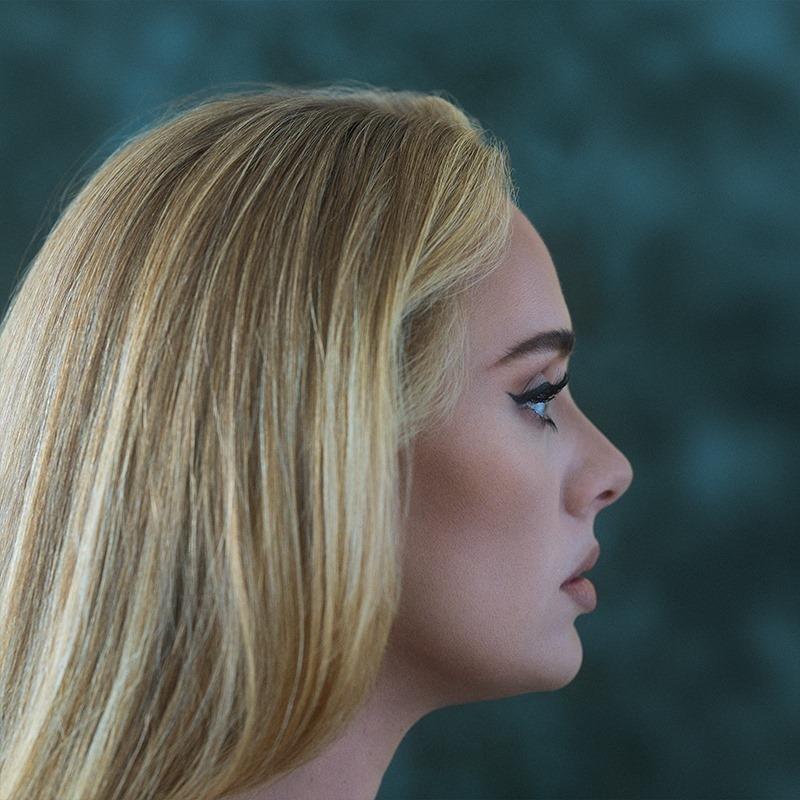"""Pristatyta pirma naujo Adele albumo daina """"Easy On Me"""""""
