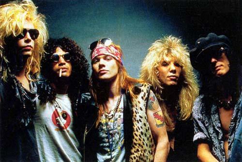 Guns'N'Roses sugrįžta: po 26 metų pertraukos senasis grupės sąstatas ketina išleisti naują albumą