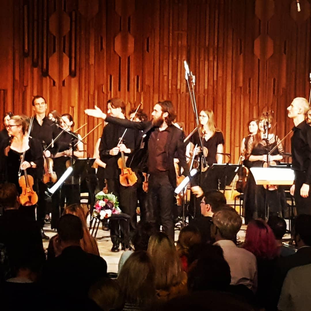 """Keatono Hensono """"Six Lethargies"""" koncertas Londone: tamsi muzika apie tamsiausius išgyvenimus"""