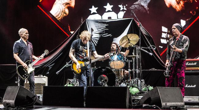 Grupės Nirvana nariai Amerikoje susibūrė 6 dainoms