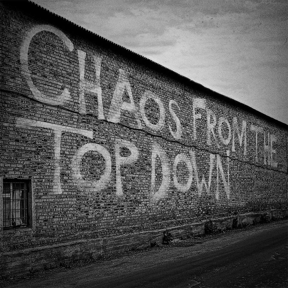 "Naujas grupės Stereophonics singlas ""Chaos From The Top Down"""