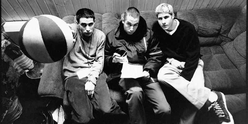 """Bene geriausio """"Beastie Boys"""" albumo 25-mečio proga – trumpas dokumentinis filmas apie grupę"""