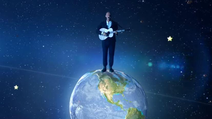 Coldplay pristato dar vieną vaizdo klipą