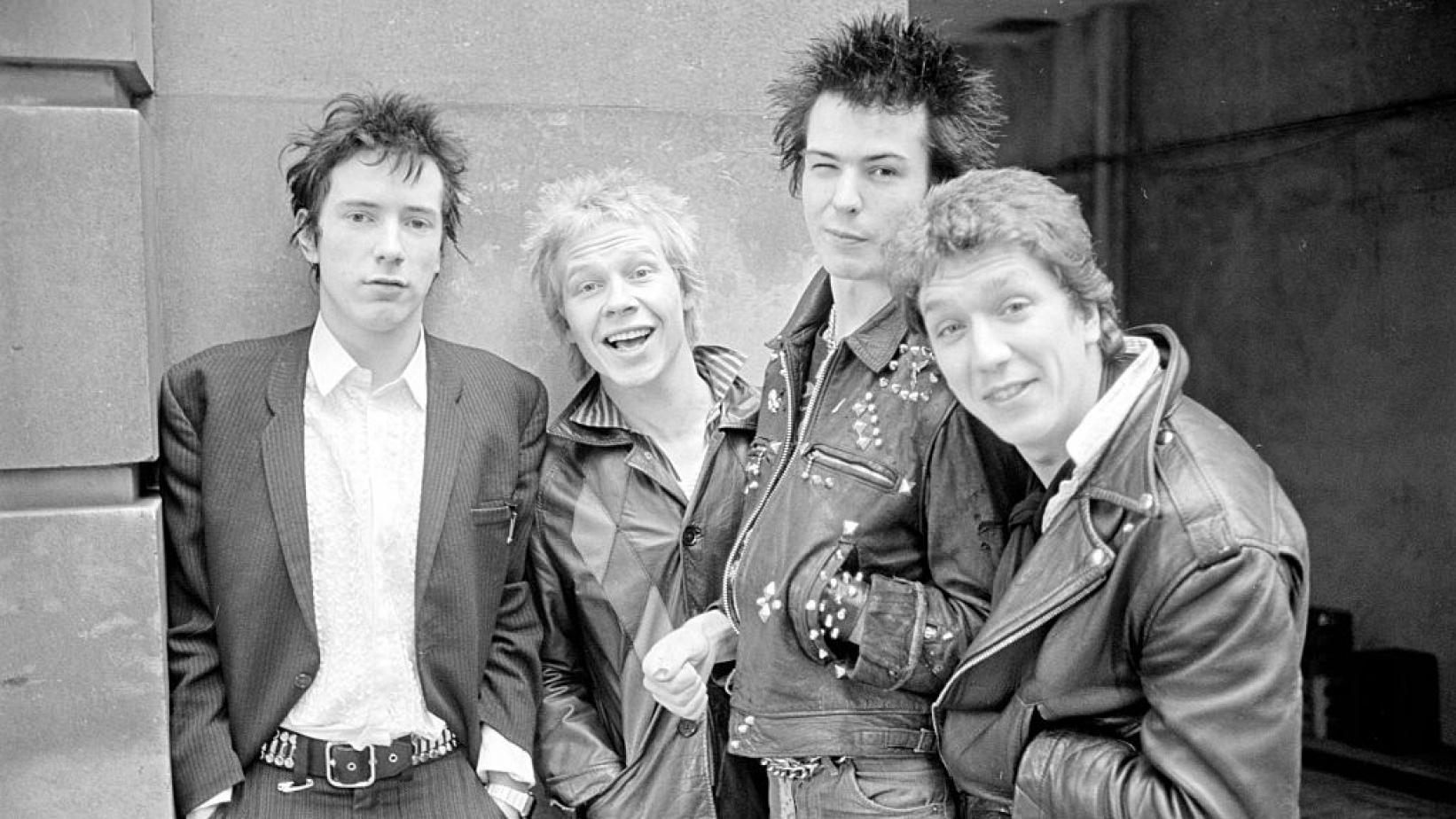 """""""Trainspotting"""" režisierius kuria 6 serijų dokumentinę juostą apie """"Sex Pistols"""""""