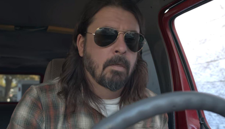 """Foo Fighters"" lyderio filme apie muzikines keliones – ""Metallica"", ""Red Hot Chili Peppers"", ""Aerosmith"", ""U2"" nariai"