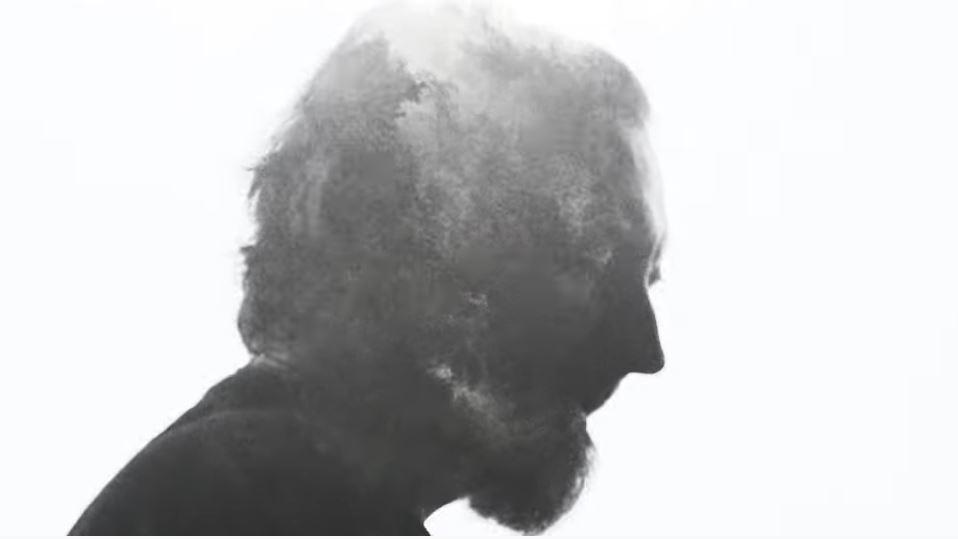 """Fink pristato naują kultinės dainos """"Sort Of Revolution"""" versiją"""